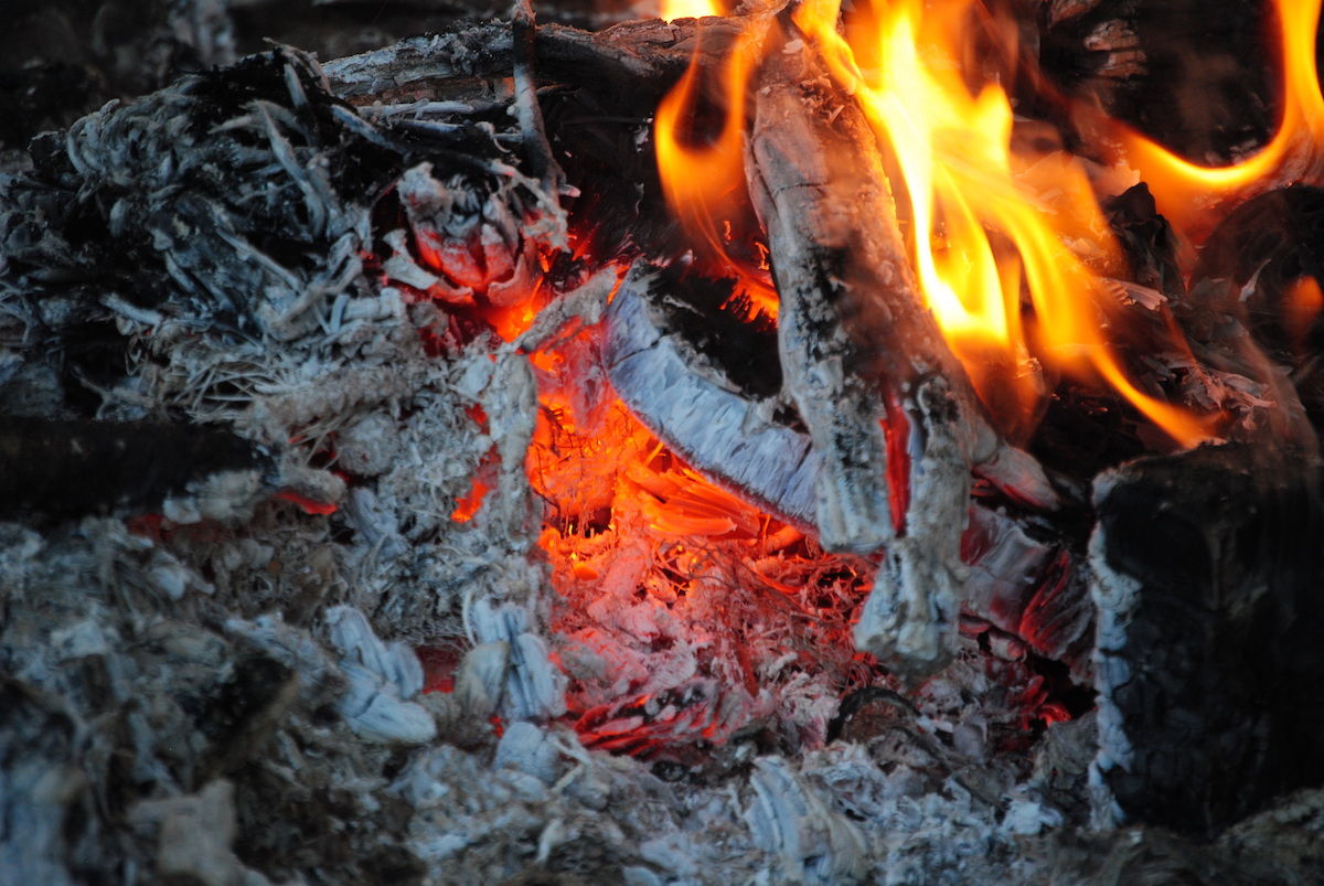 Feuer1 - Kellerdurchbruch - hermetisch - brandschatzen